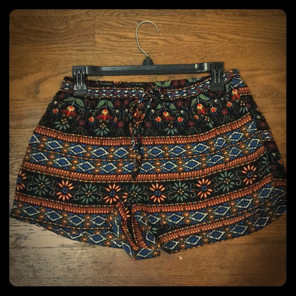 Earthbound Trading Co Pants - Bohemian print shorts